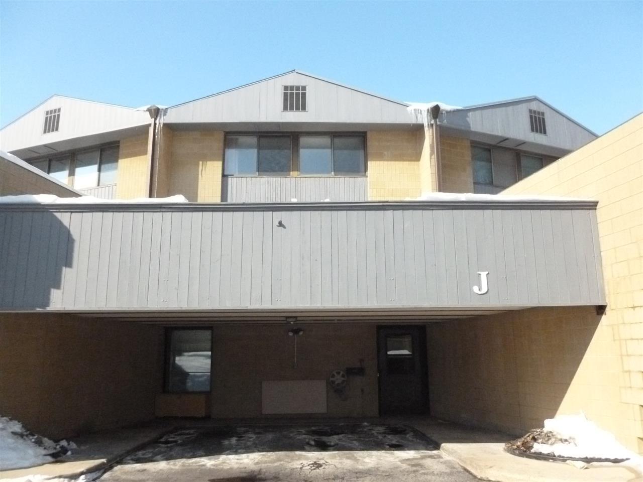 4545 W PINE STREET STREET J, GRAND CHUTE, WI 54914
