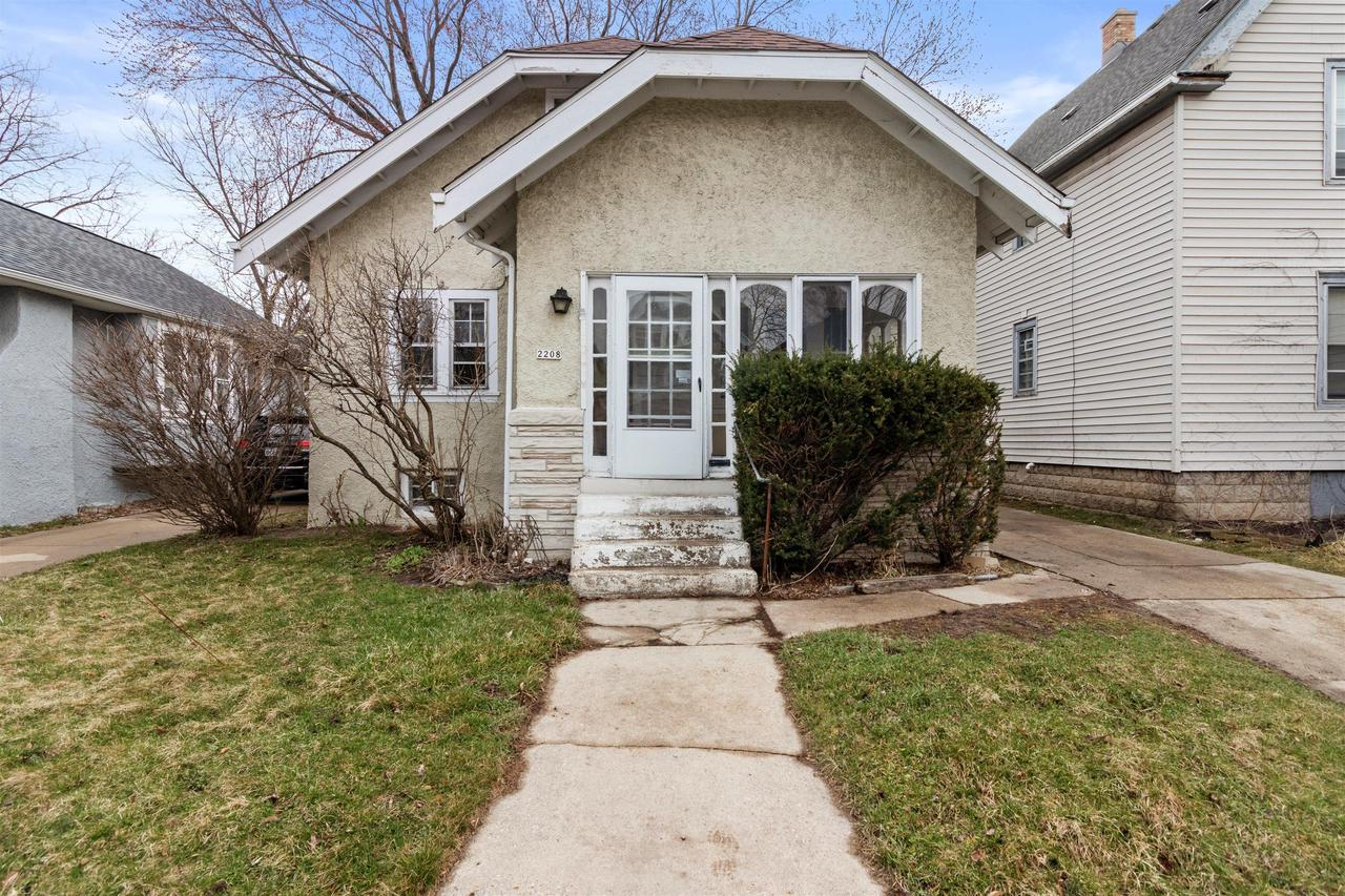2208 N 55th St STREET, MILWAUKEE, WI 53208