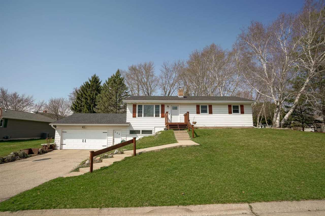 305 Indian Summer Rd ROAD, MARSHALL, WI 53559