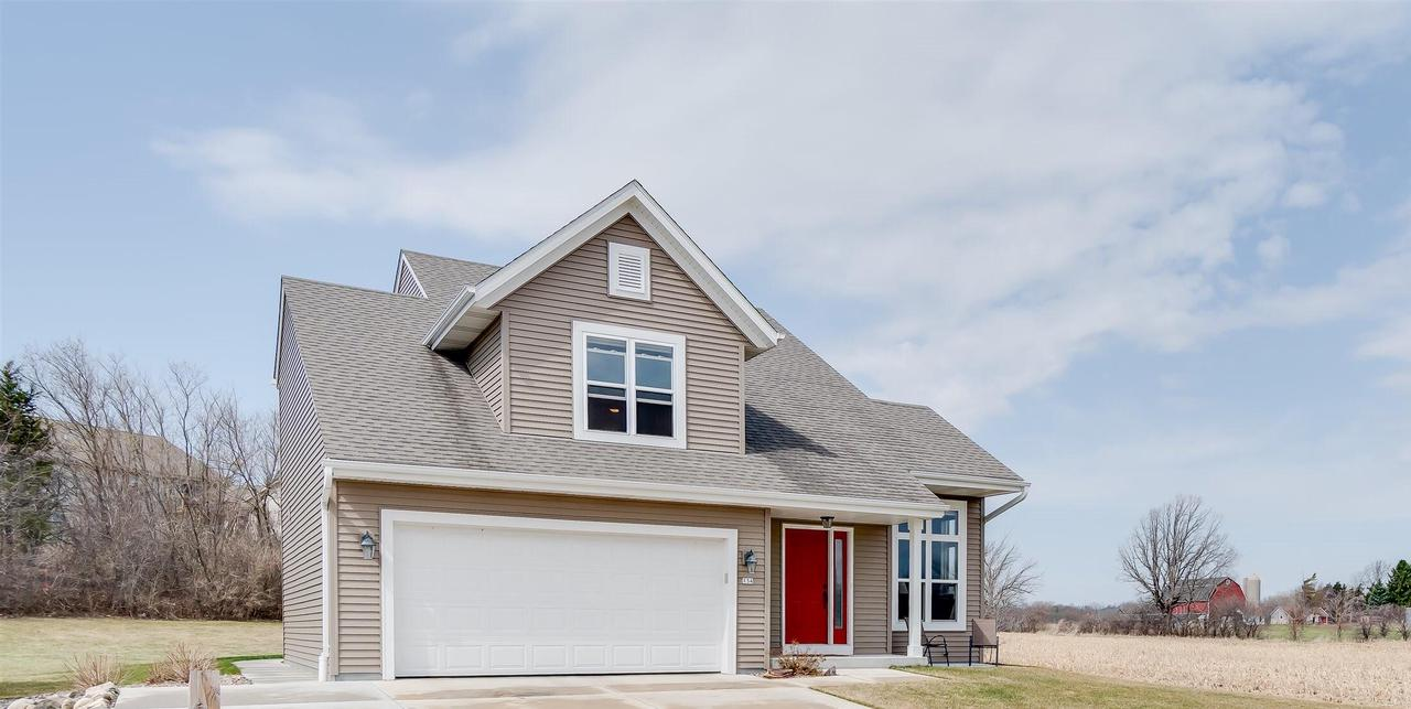134 Reeds Dr DRIVE, WEST BEND, WI 53095