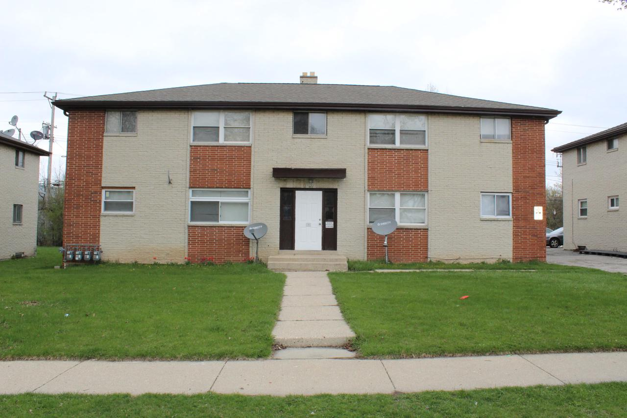 8906 W Carmen Ave AVENUE, MILWAUKEE, WI 53225