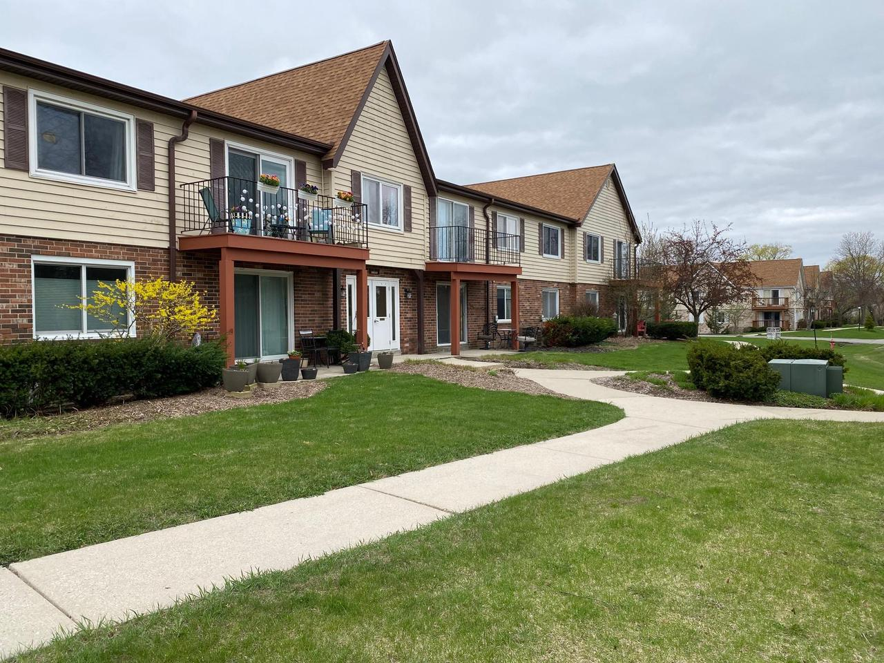 10640 N Ivy Ct COURT 13, MEQUON, WI 53092
