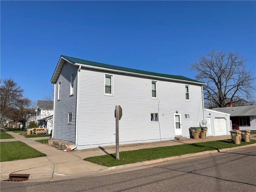 1038 Front Street STREET, CHIPPEWA FALLS, WI 54729