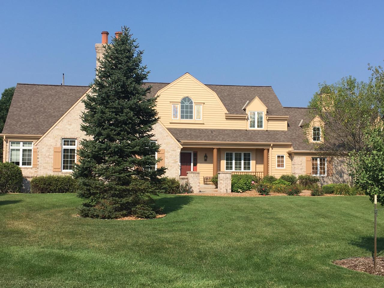 8455 S Fountain Ct COURT, FRANKLIN, WI 53132
