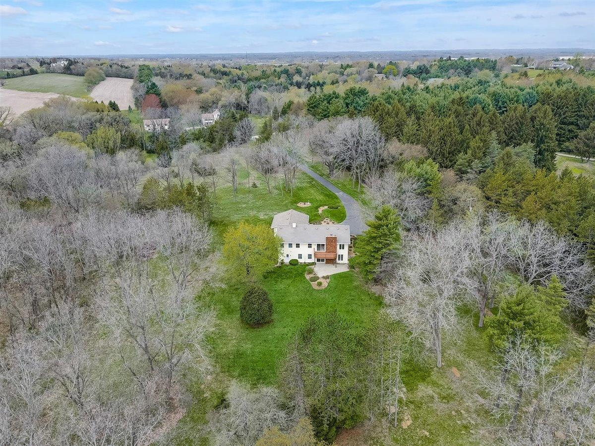 W314S6130 Dable Rd ROAD, GENESEE, WI 53149