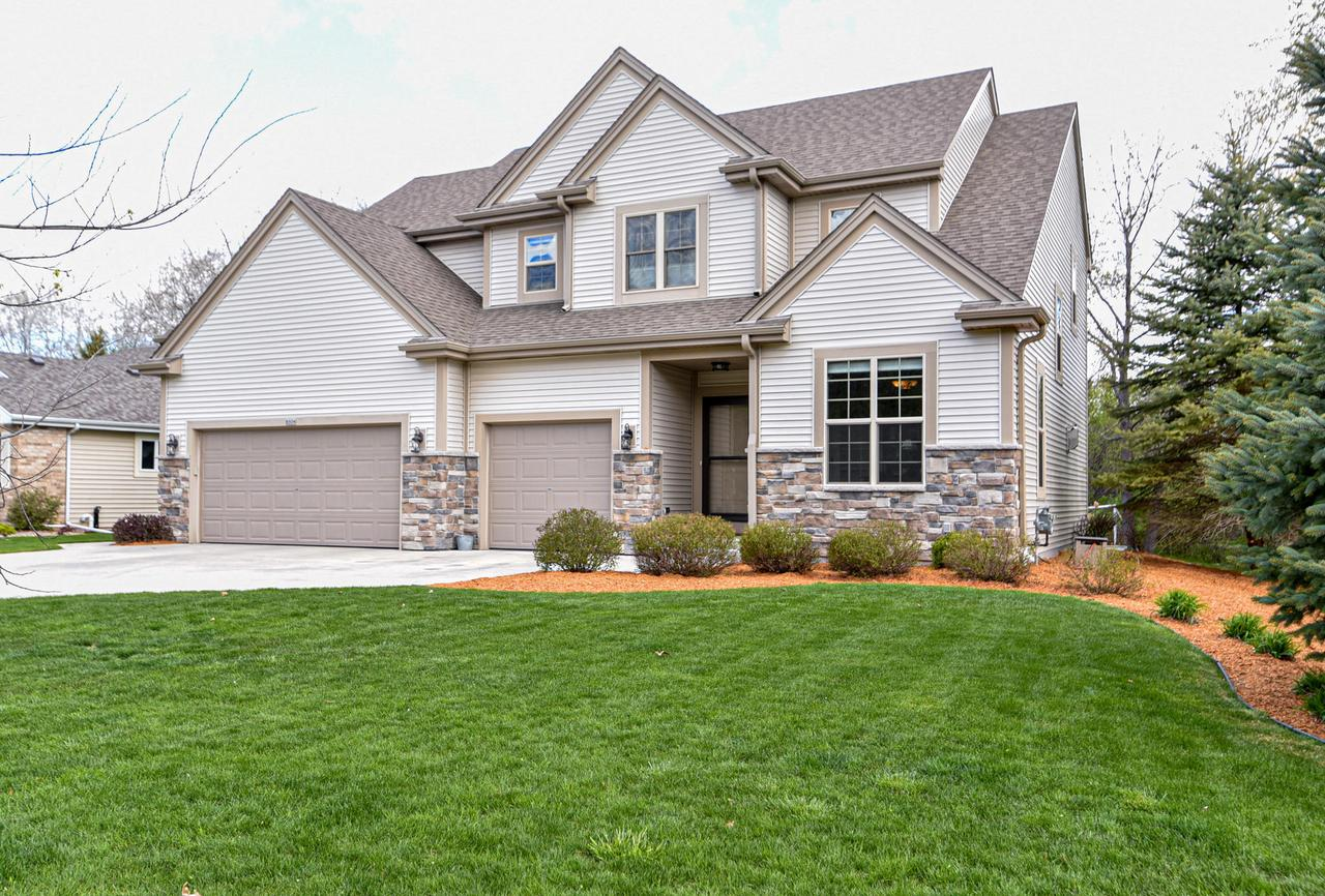 8504 W Red Wing Dr DRIVE, FRANKLIN, WI 53132