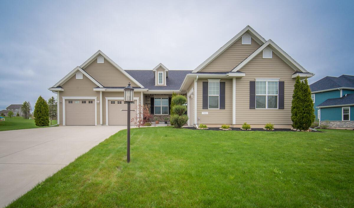 7820 W Mourning Dove Ln LANE, MEQUON, WI 53097
