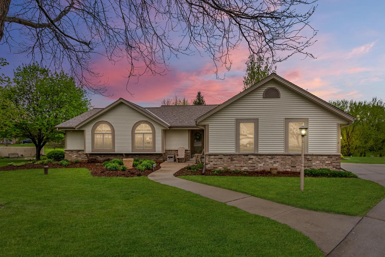 S15W31840 Meadowview Ct COURT, GENESEE, WI 53018