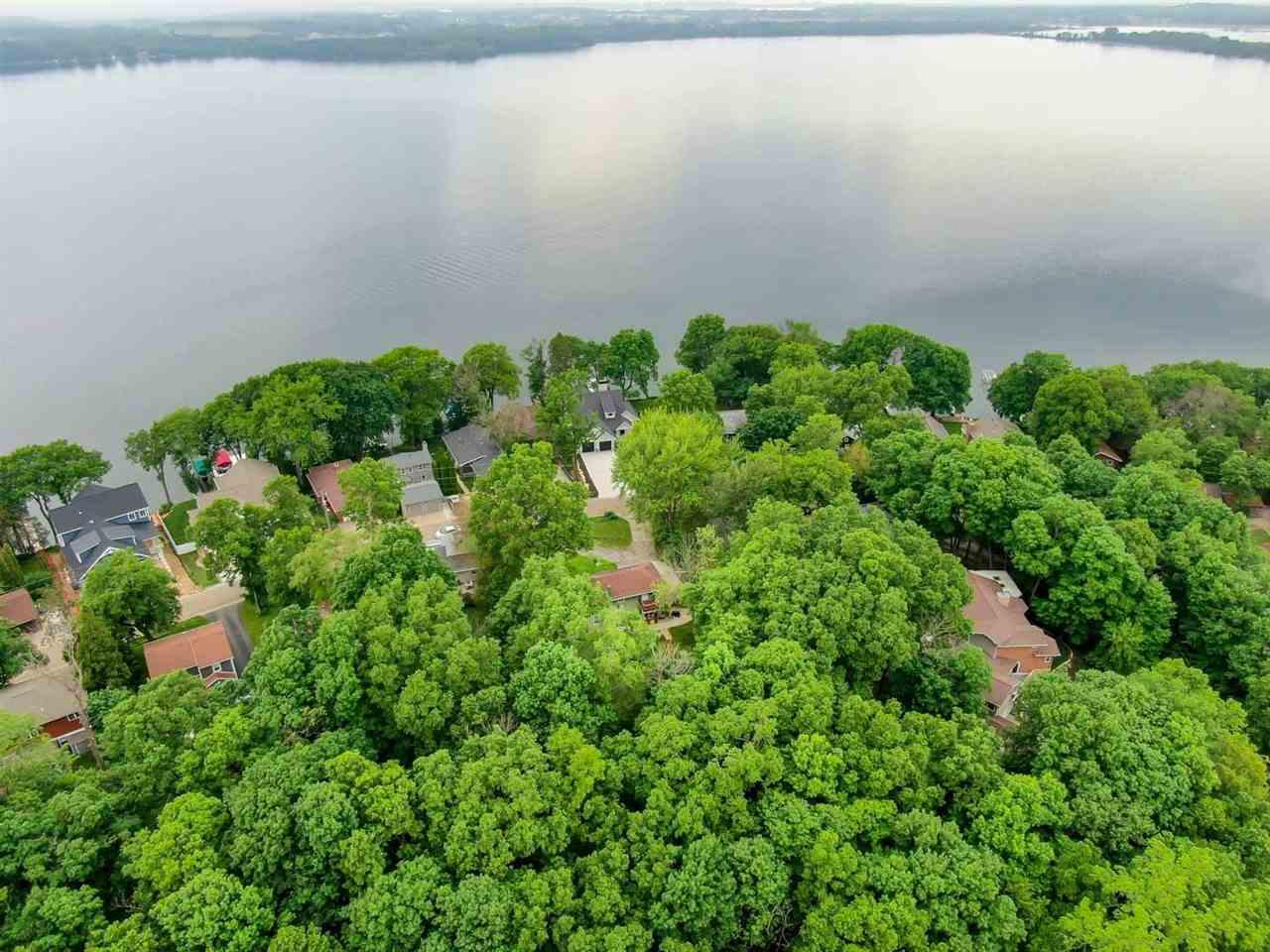 6107 Overlook Dr DRIVE, MCFARLAND, WI 53558
