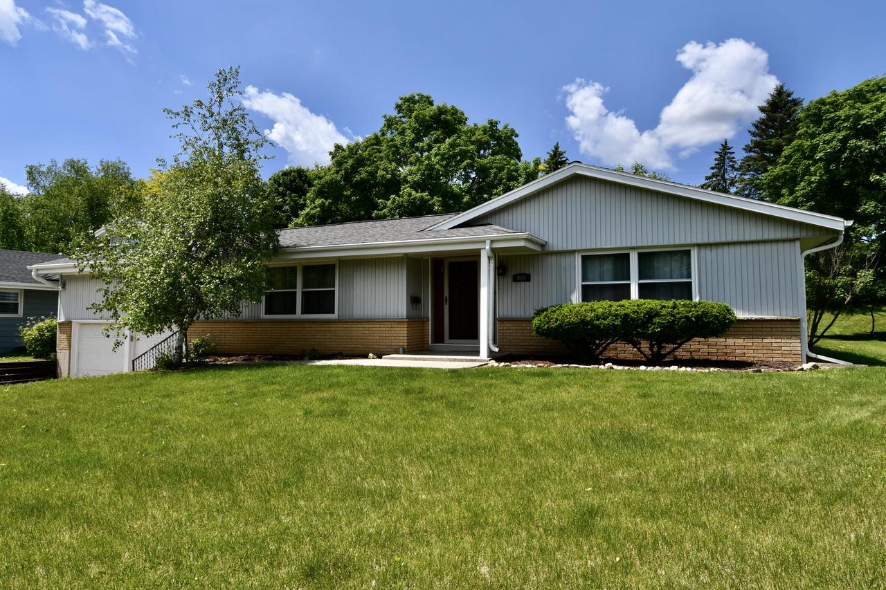 904 N 18th Ave AVENUE, WEST BEND, WI 53090