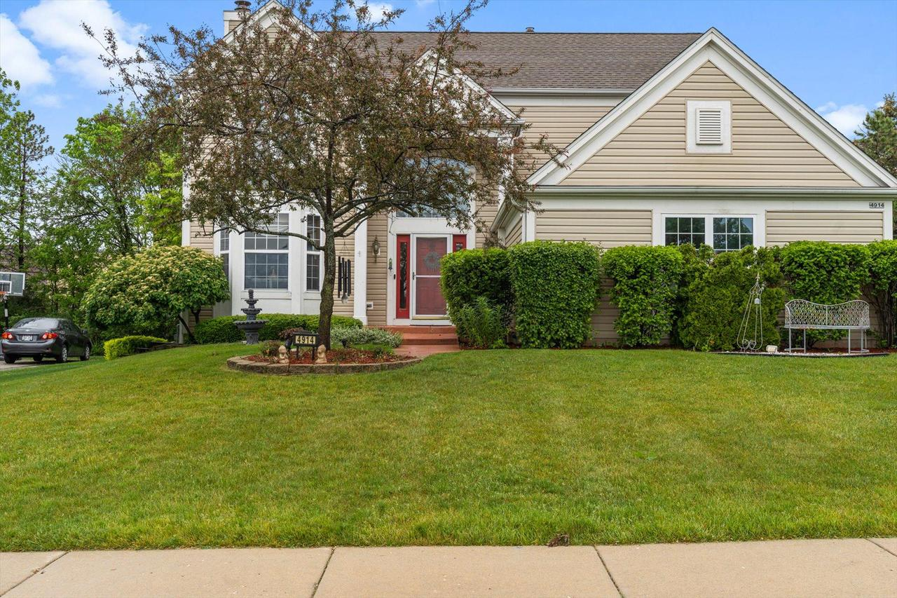4914 W Forest Hill Ave AVENUE, FRANKLIN, WI 53132