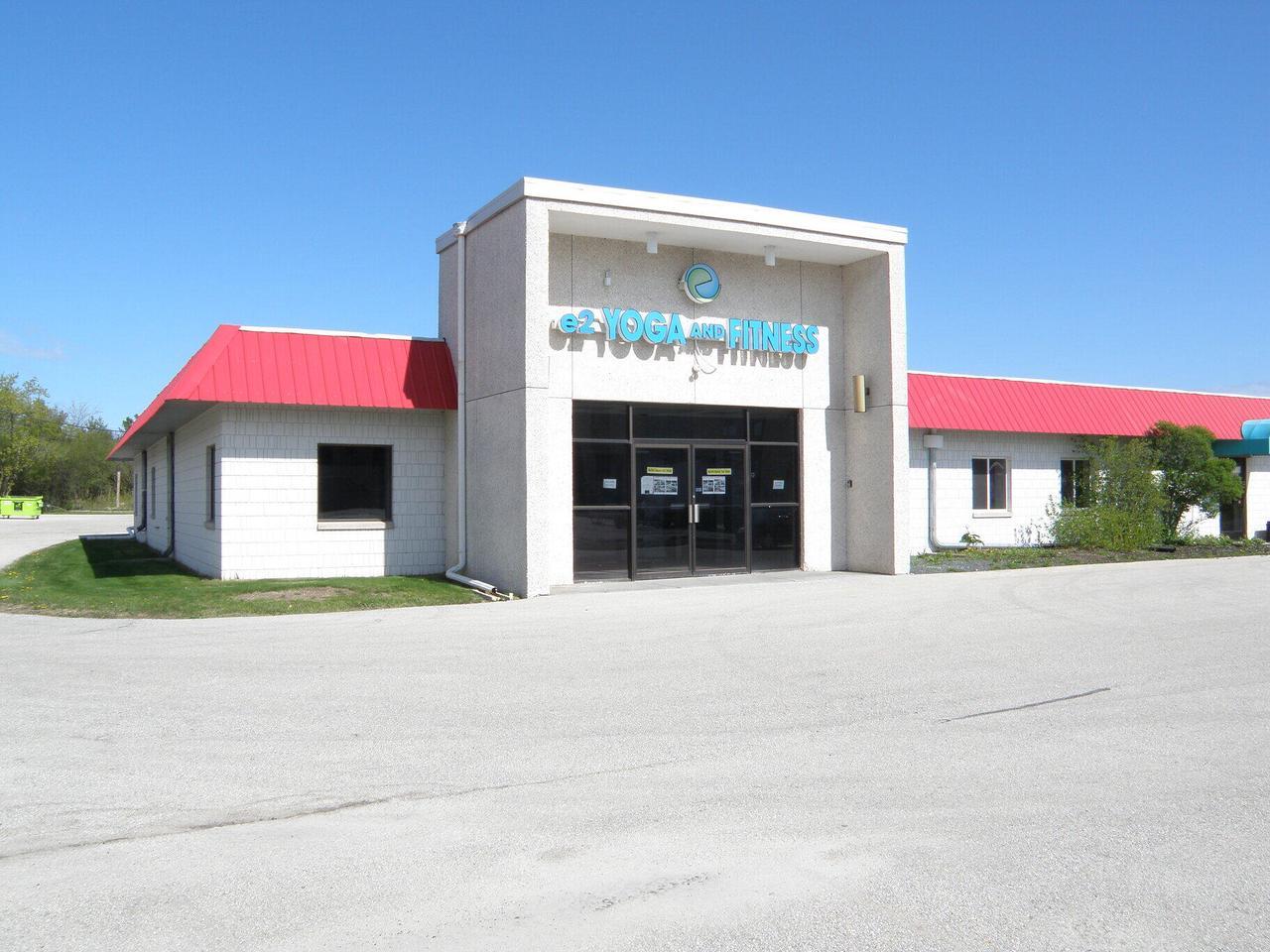 10510 N Port Washington Rd ROAD, MEQUON, WI 53092