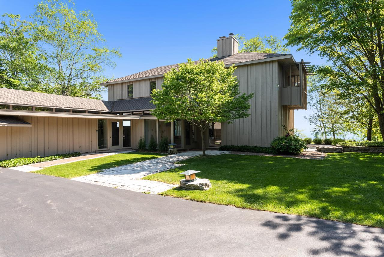 10804 N Lake View Rd ROAD, MEQUON, WI 53092