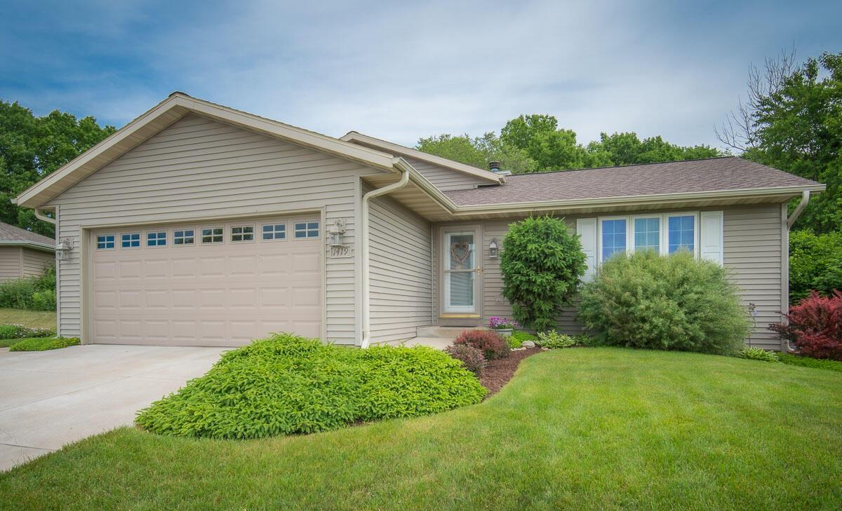 1419 Lower Forest Ct COURT, WEST BEND, WI 53090