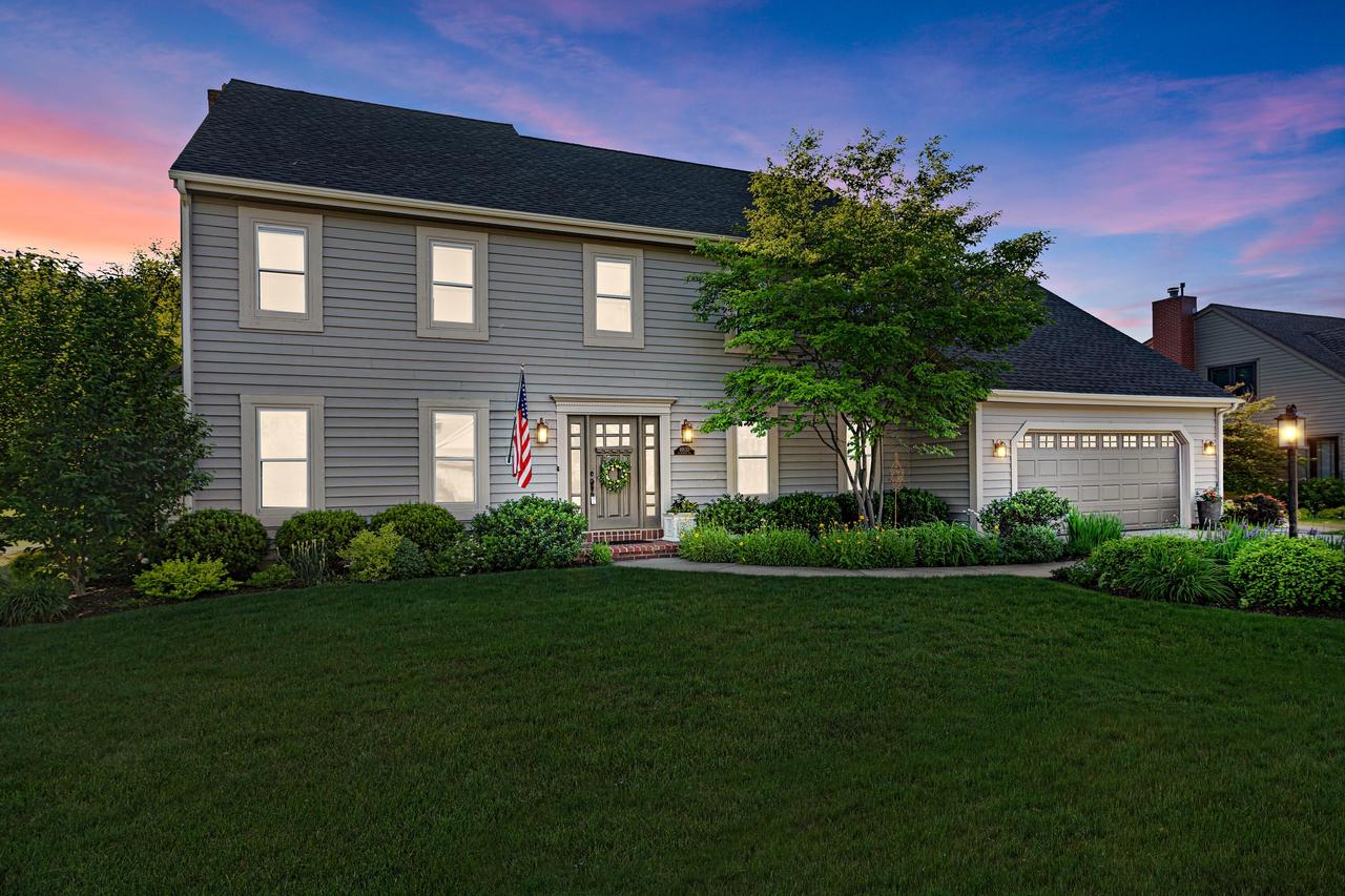 10133 N Foxkirk Dr DRIVE, MEQUON, WI 53097